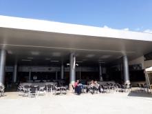 Het moderne terras bij de kabelbaan Mukumbari